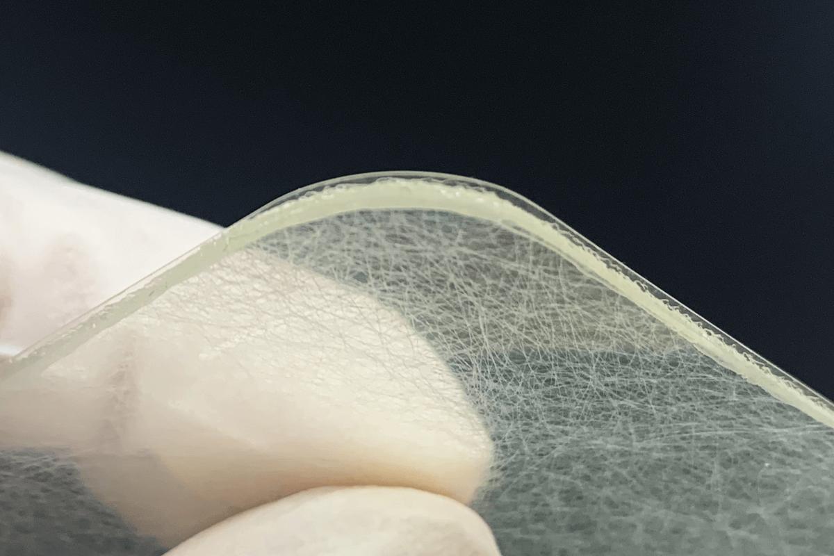 医療用導電性ゲルパッドのライトオフセット加工